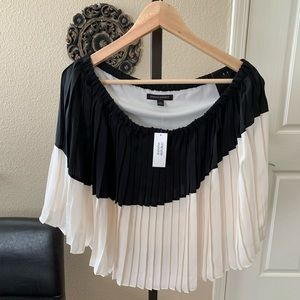 Banana Republic Black and White Pleated Skirt